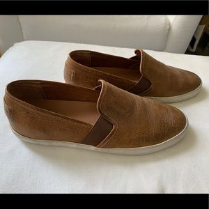 Frye Cognac Vintage Leather Dylan Slip-On Sneaker